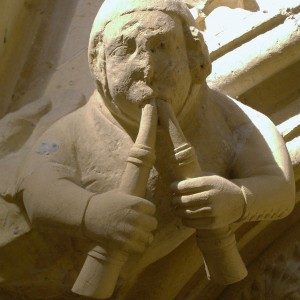 medieval-musician-carving